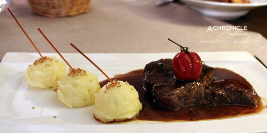 Beef Fillet w. Kampot Pepper And Mashed Potato