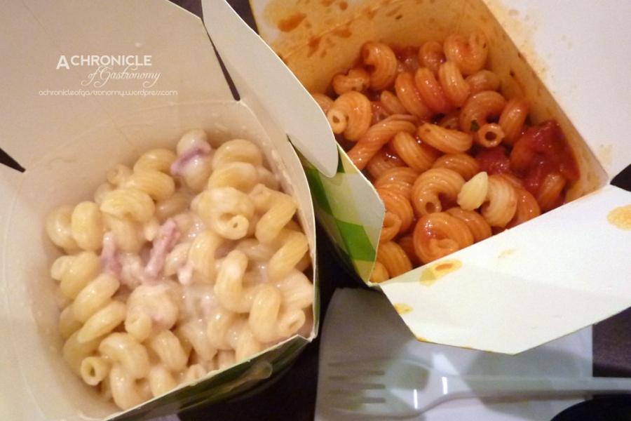 Carbonara and neopolitan pasta