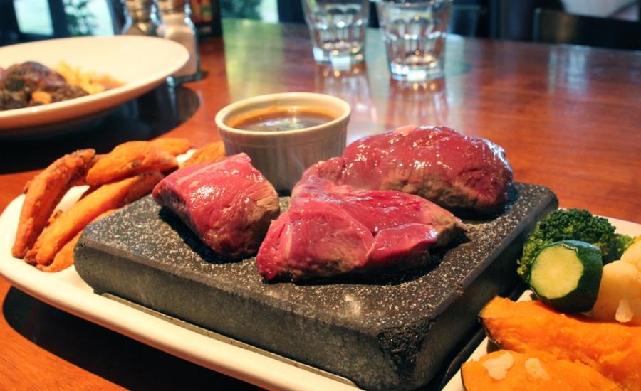 The High Country - 100g Venison, 80g Beef, 80g Lamb, Zucchini, Pumpkin, Broccoli, Sweet Potato Wedges ($34+2)
