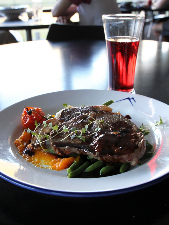 Mackenzie Rib Eye, Potato Mash, Pureed Pumpkin, Green Beans And Roasted Tomato With Red Wine Jus ($27) and Boysenberry Cider