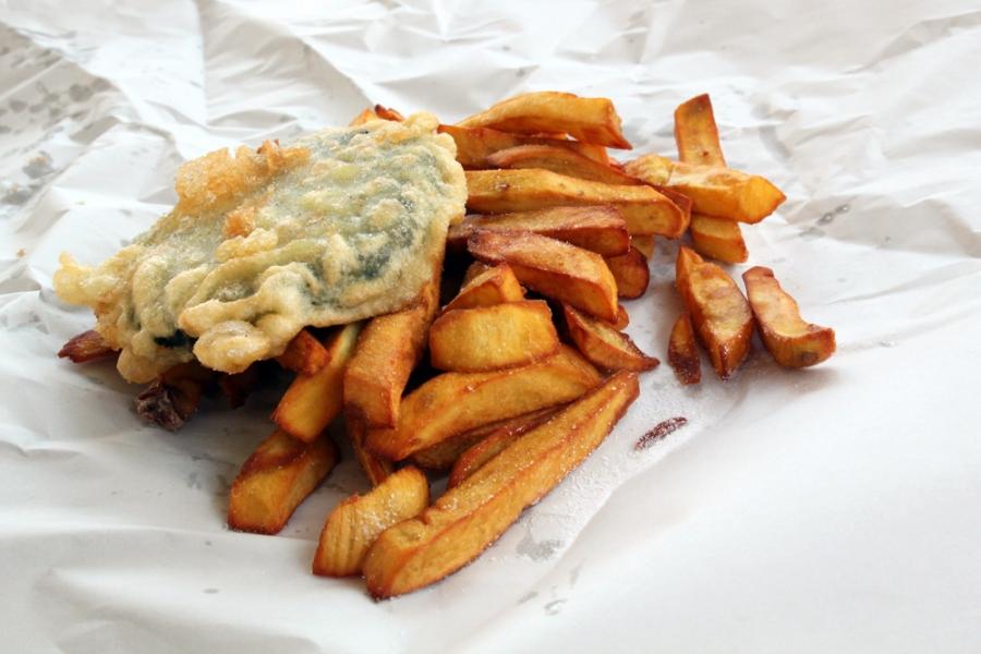 Half Serve Kumara Chips ($3.50) and Paua Pattie ($4.50)