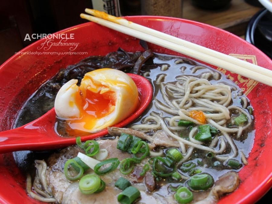 Hakata Gensuke Hawthorn (28) Black Tonkotsu - Fried Garlic and Black Sesame Paste