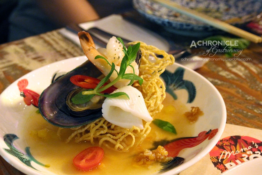 Canh Chua w. Fried Noodle Basket - Pineapple Seafood Soup w. Mussels, Prawn, Squid