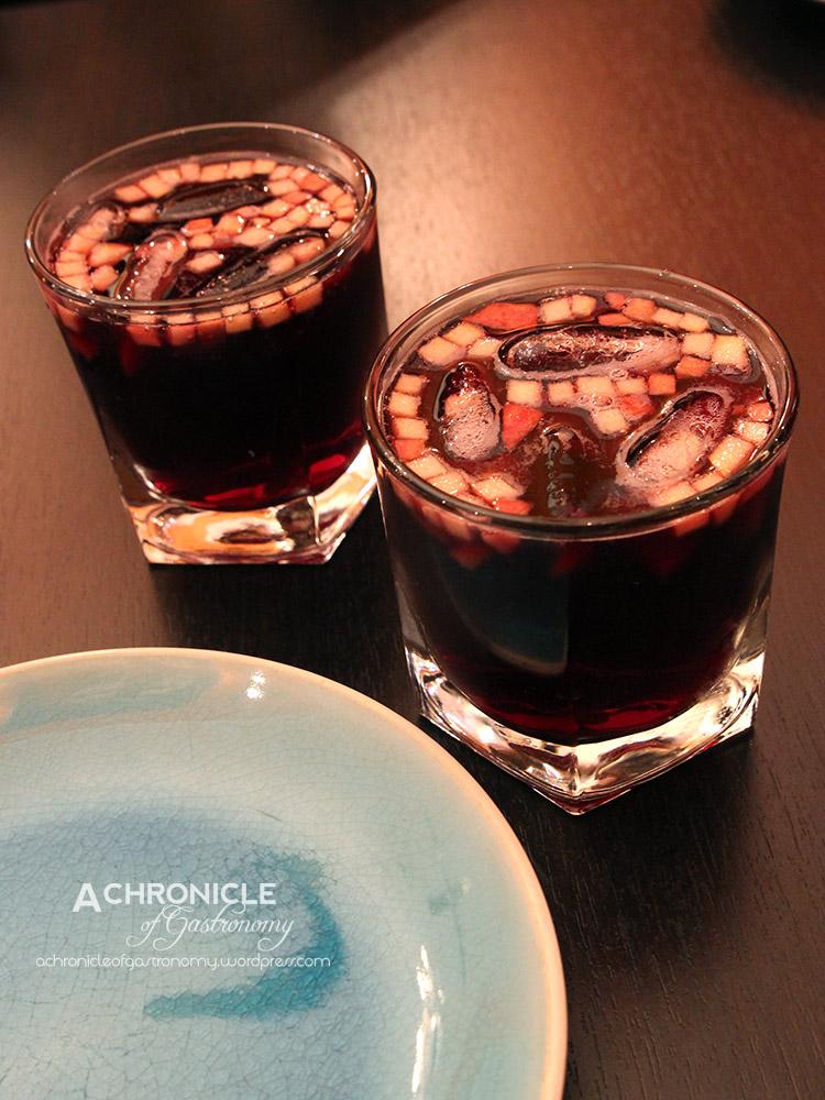 Sangria El Sabor – Red Wine, Brandy, Lemonade, Lime Juice, Seasonal Fruit ($12 a glass)