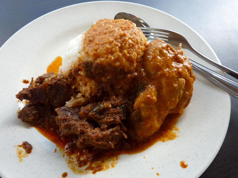 Curry Chicken, Beef Rendang at Rumah Makan Minang 11SGD