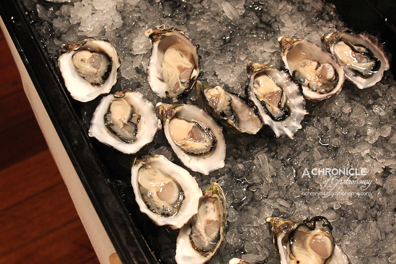 Rubira's Oyster Night - Oysters au Naturale