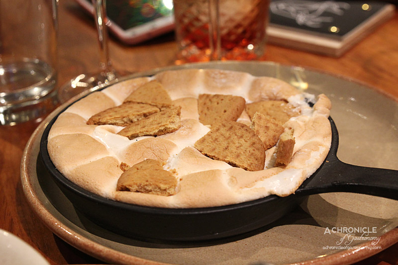 Hunter & Barrel - Chocolate & Marshmallow Roast with Biscuits