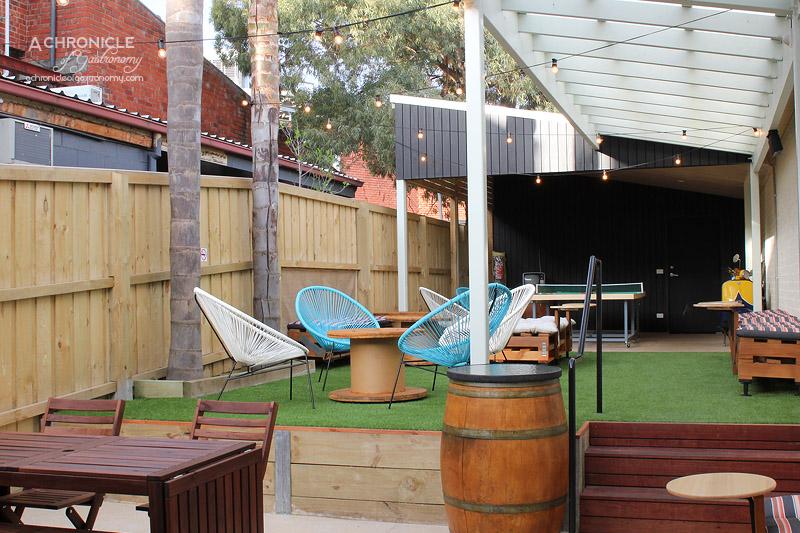 12's Cafe Beer Garden
