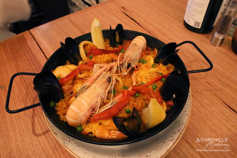 Chato - Paella de frutos del Mar ($28.90pp)