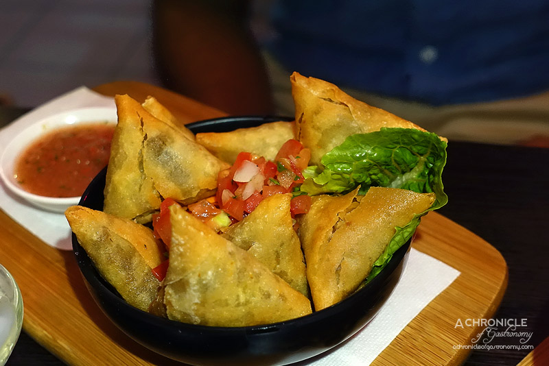 Bistro du Peuple - Bistro's Samoussas filled with Vegetable Curry ($10)