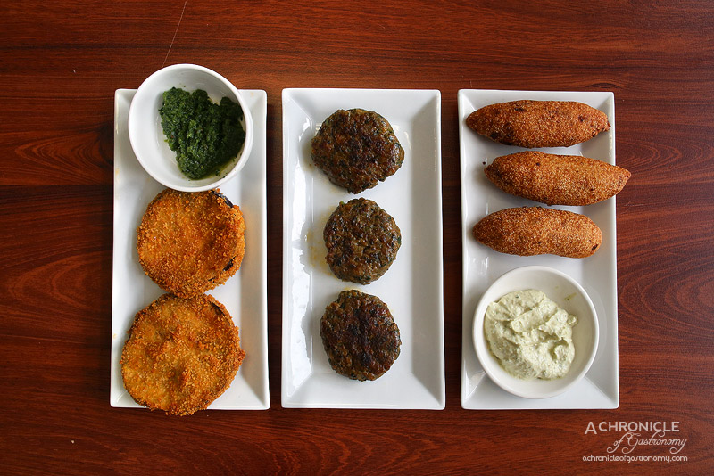 Hilulim - Fried Eggplant with Chilli Sauce, Kufte Kebab, Kubbe with Semolina and Burghul, Minced Meat and Pine Nuts