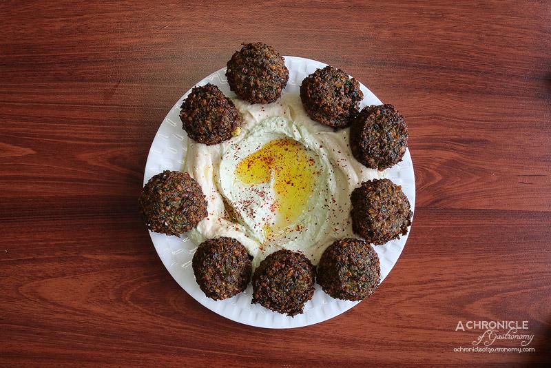 Hilulim - Falafel with Hummus