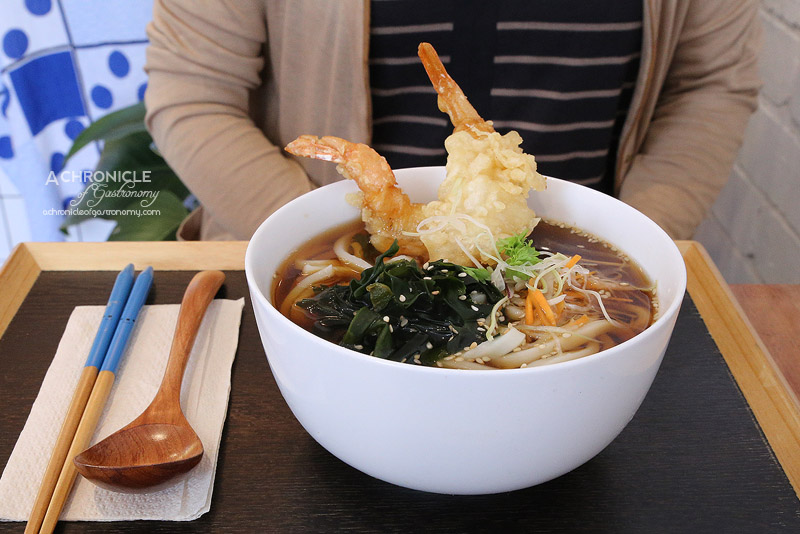 Kuu - Udon noodles served warm in kombu seaweed dashi soup and prawn tempura ($14)