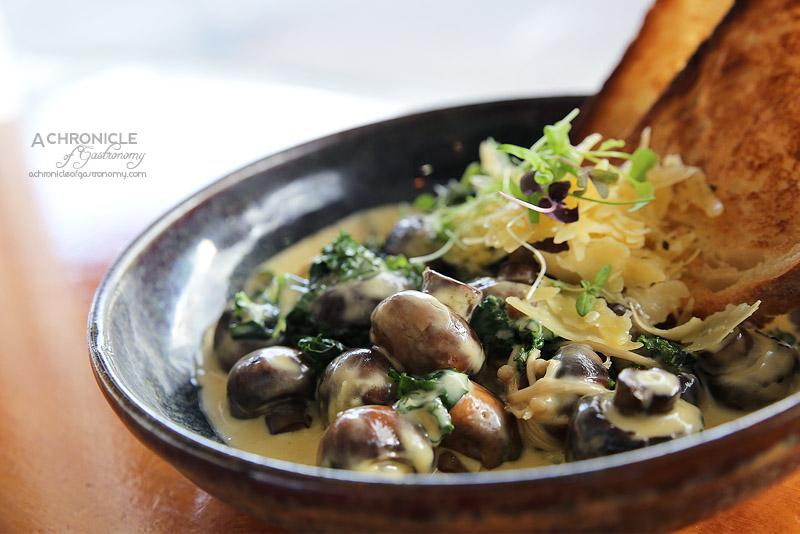 Sardi - Wild Mushroom Ragout with garlic, kale, shaved parmesan, sourdough ($16.50)