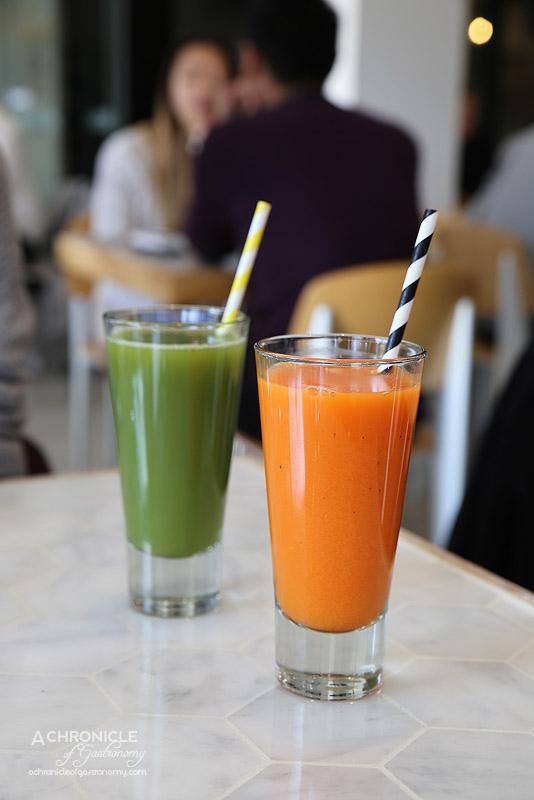 White MOJO Balwyn - Doctor C (orange, carrot, grapefruit, lemon, mint), Garden Green (apple, celery, cucumber, spinach, kale) ($8 ea)