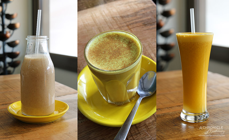 World Vegetarian Cafe - Banana Cinnamon Smoothie - Almond milk, banana, cinnamon, agave; Golden Latte; pH juice