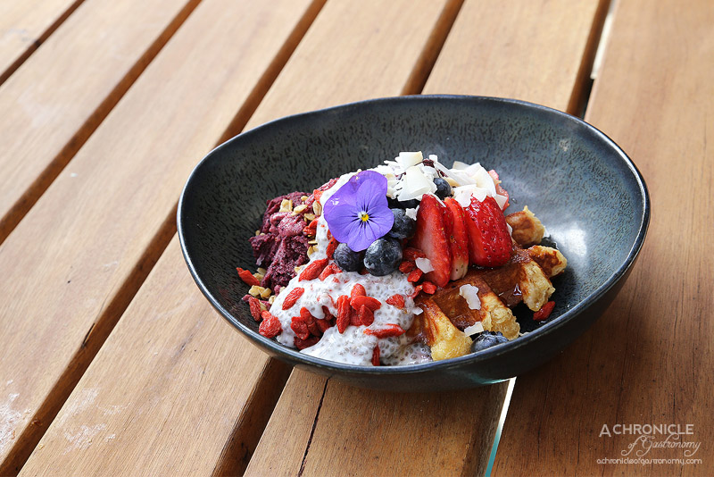 Horse on Heels - Autumn fruits, coconut chia pudding, acai bowl, granola, goji berry w pure maple syrup on Belgian liege waffle ($17)