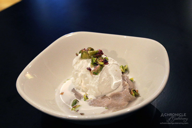 Pintoh - Taro Puree, coconut ice cream, pistachio syrup, mint ($12)