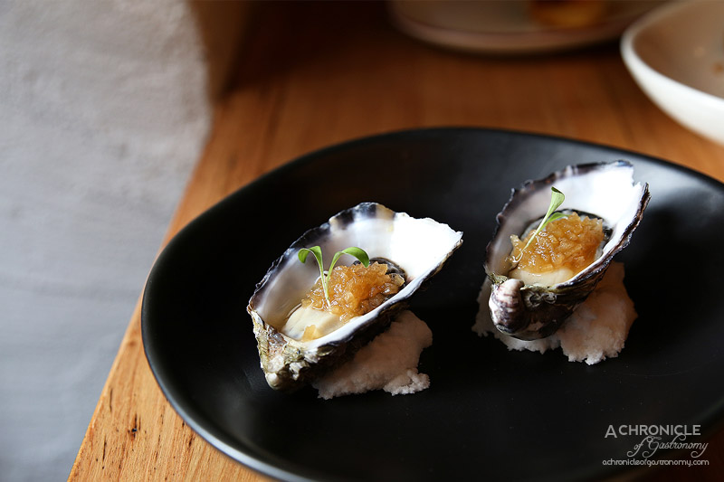 Sezar - Oysters w compressed apple & anise