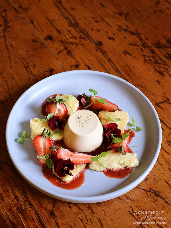 Saint James - Earl grey panna cotta with shortbread biscuits, strawberry jam and fresh strawberries