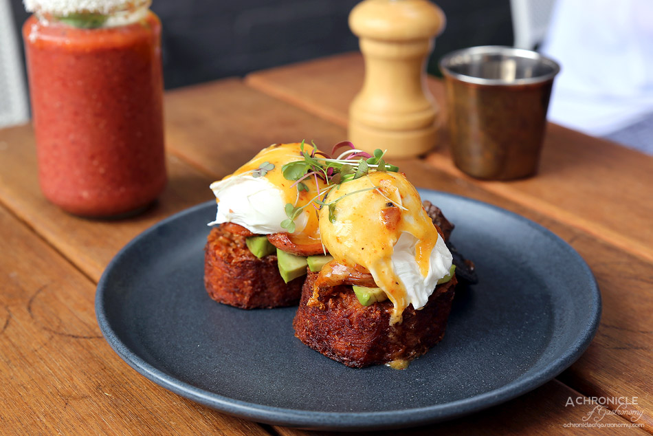 Temperance Society - Huevos Benedictos w two poached eggs, chorizo, avocado, chipotle hollandaise on potato hash ($18)