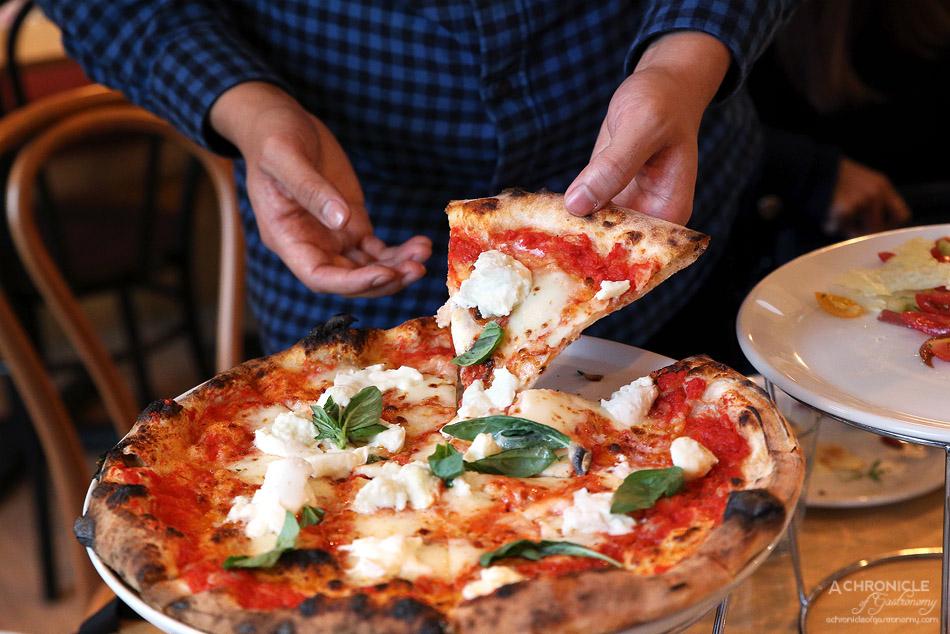 Woodfire Pizzeria - Margherita - Napoli suace, mozzarella fior di latte, basil