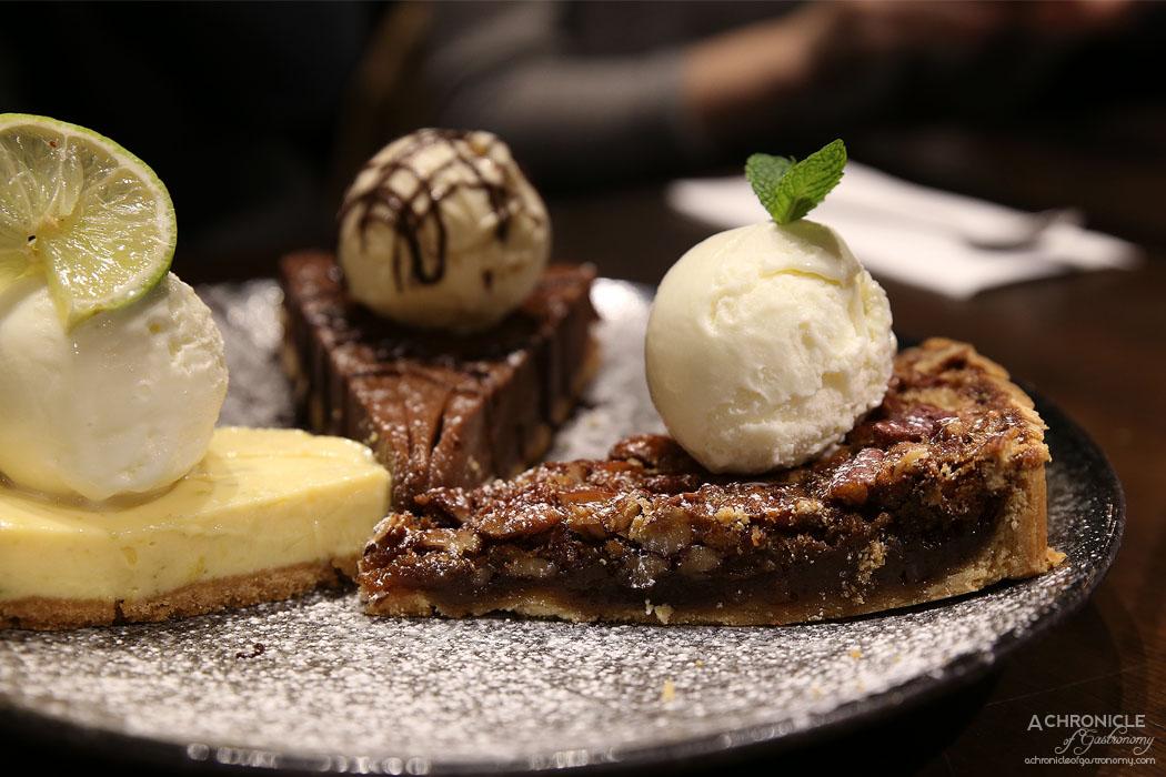 Third Wave Cafe - Pecan Pie w espresso cream and vanilla ice cream