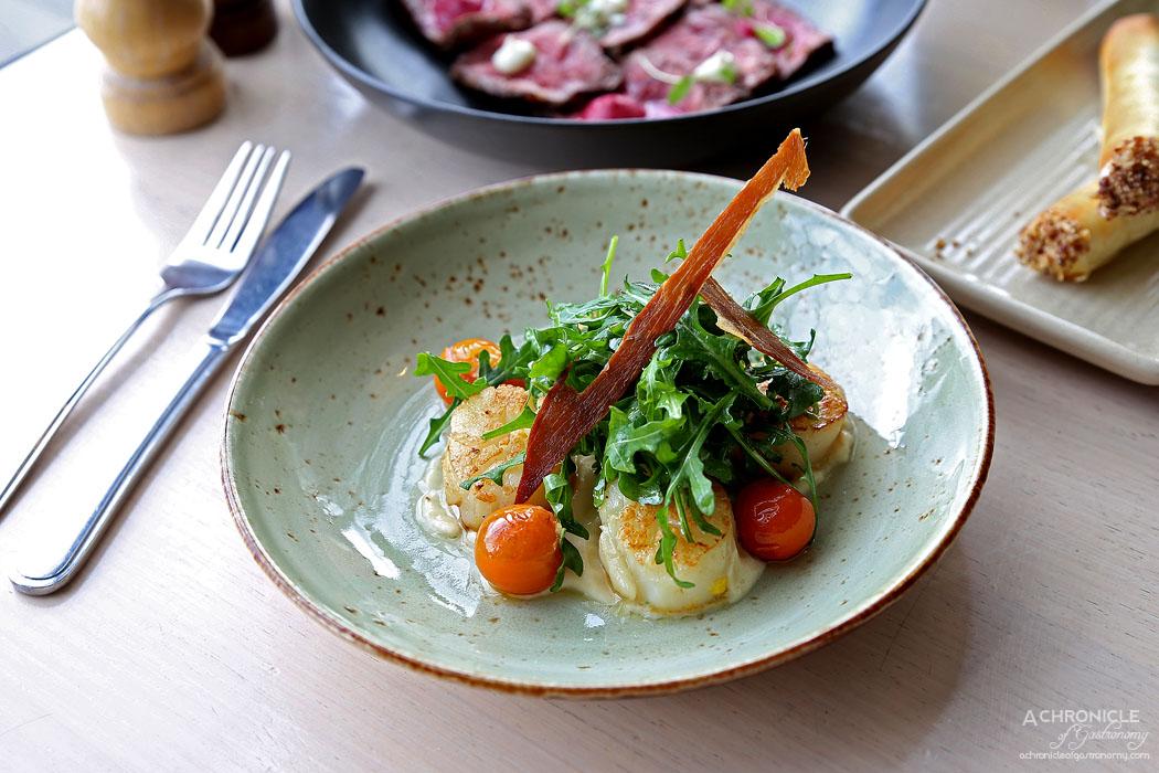 Mr Hobson - Pan-seared scallops - Truffle oil, cauliflower puree, crispy prosciutto (4 for $20)