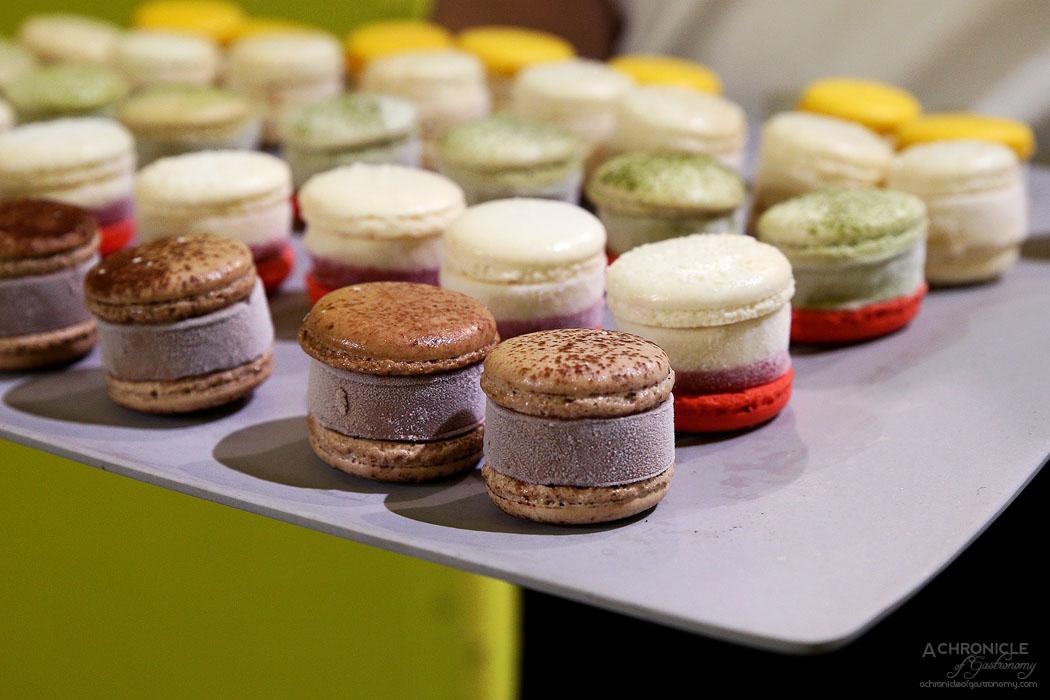 Glace - Vanilla lemon, Coco-Raspberry, Tout Chocolat, Matcha adzuki, Vanilla butterscotch macaron
