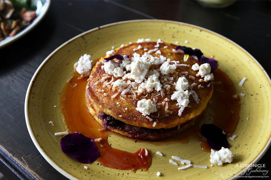 Cento Mani - Choclo Pancakes - Choclo corn arepas, berries, ricotta, coconut flakes, aguardiente syrup ($16)