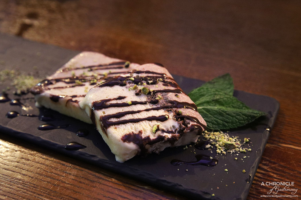 Guhng - Red bean semifreddo ($15)