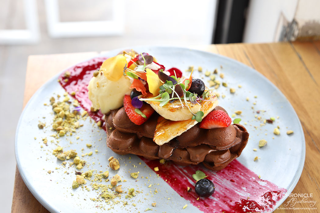 My Other Brother - Nutella Hong Kong Waffles w vanilla mascarpone, banana brulee, strawberries, blueberries, pistachios, raspberry puree ($19)