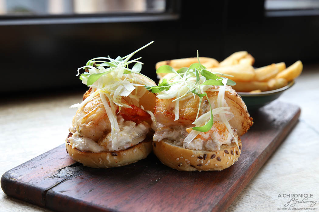 Cote Terra - Lobster Sliders - Lobster medallion, crab and citrus salad, crunchy celery and pickled fennel, chips ($33)