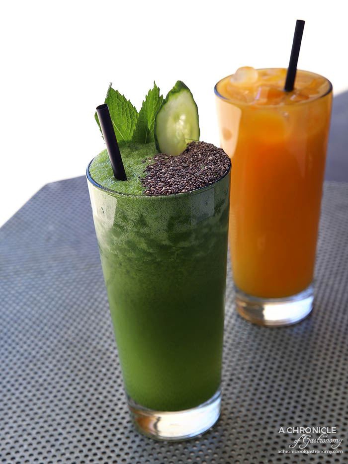 Espresso Room - Detox Smoothie - Spinach, kale, apple, mint and cucumber ($9,50) Mango Juice ($7)