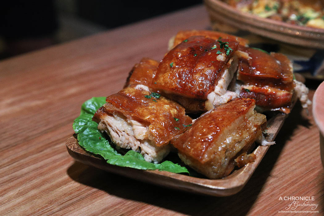 Le Lee - Peceno zadusheno svinsko - Slow-roasted pork belly