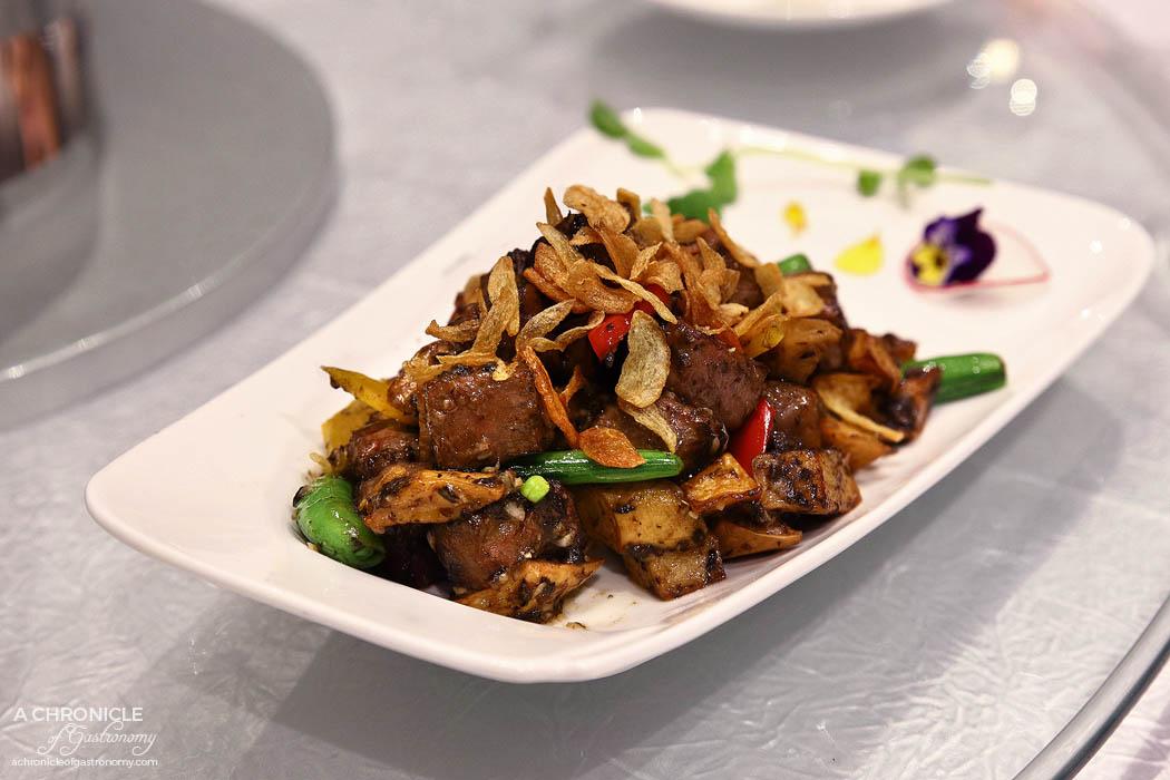 Sun Kitchen - Wagyu beef w black truffle and garlic (MS9+)