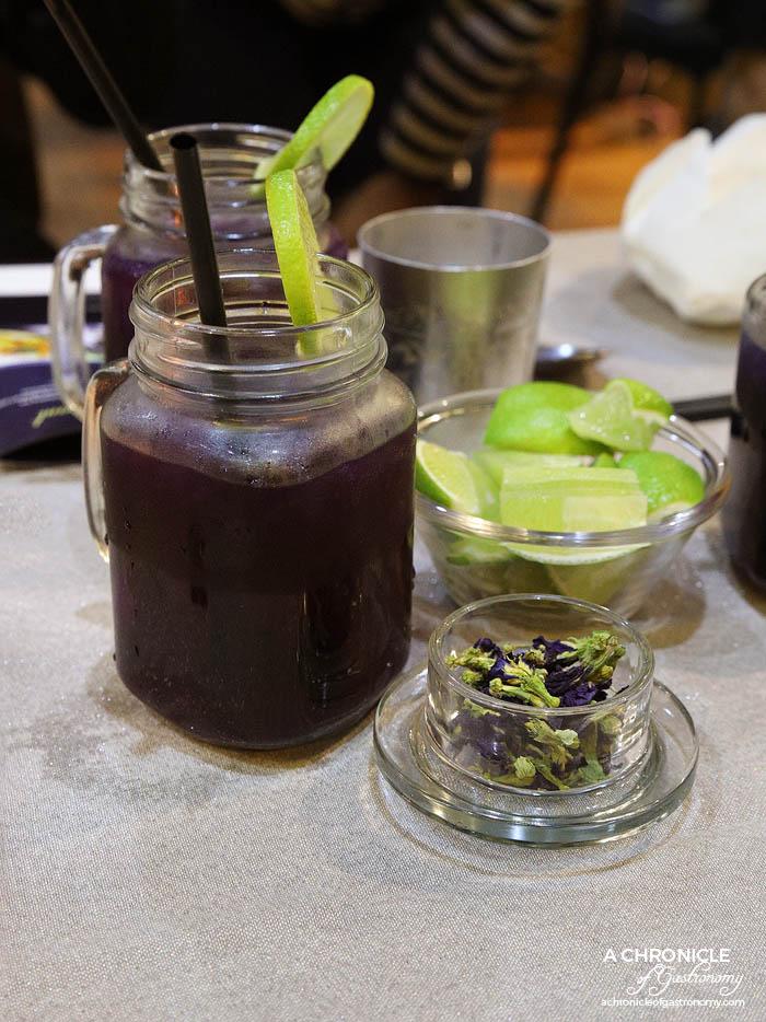 Jing Jai Thai Anchan Drink