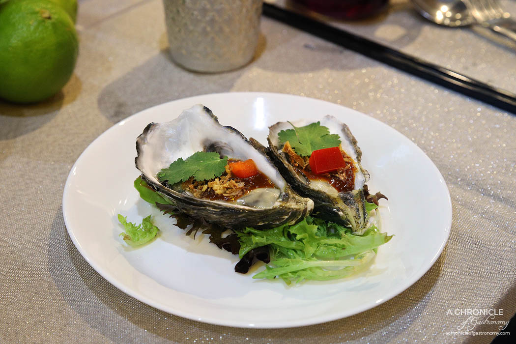 Oysters w chilli jam