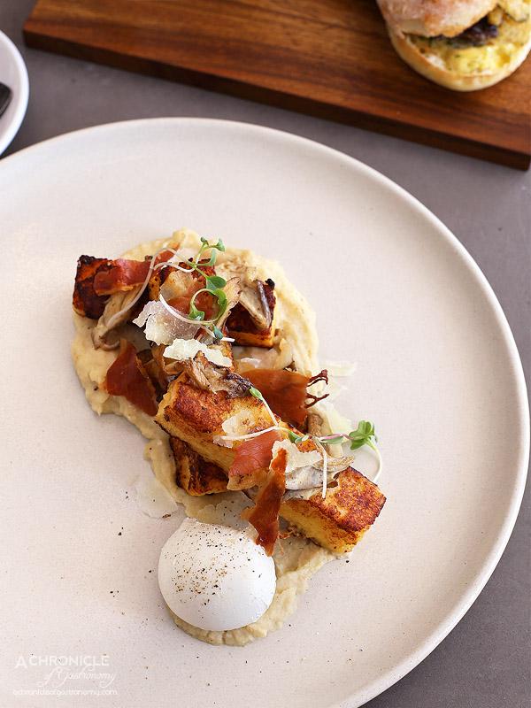1809 - French toast w celeriac puree, pecorino, sautee mushrooms, poached egg, crispy prosciutto ($16)