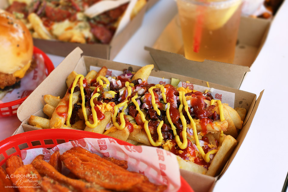 Mocha Jo's Burger Bar - Loaded American chips with mustard, bacon and onions