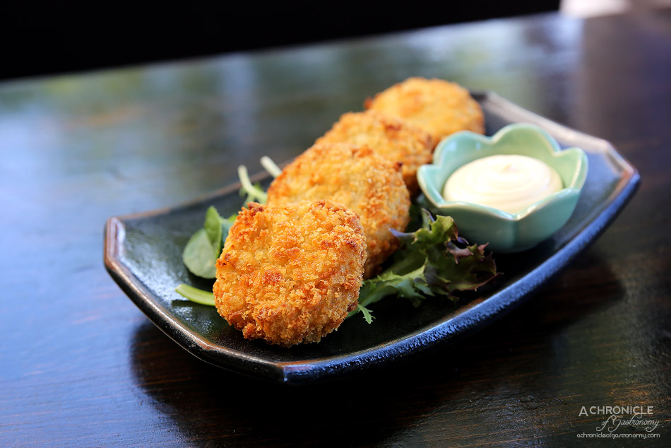 Robarta - Beef, Potato & Onion Croquettes - Golden panko crusted cream croquettes w beef, potato & onion filling served with spicy mayo (4 for $12)