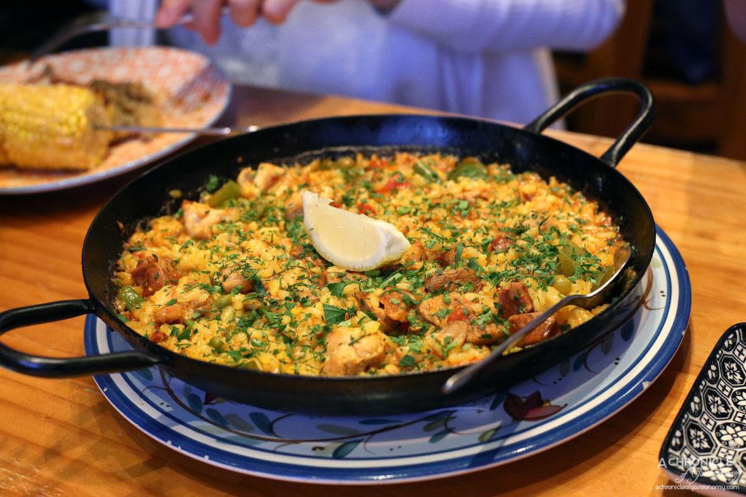 El Burro - Carne Paella - Pork belly, chicken, chorizo, capsicum, peas, green beans ($35)