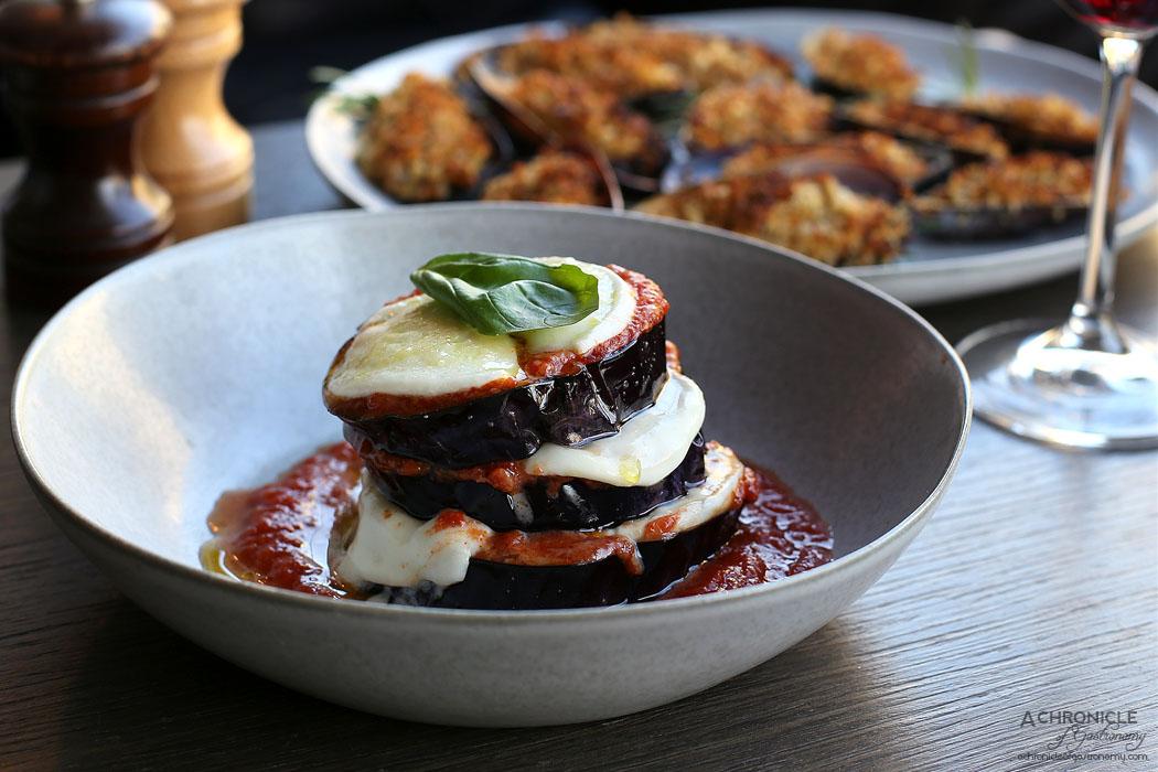 Pizza e Birra - Parmigiana di Melanzane - Eggplant Parmigiana, Burrata, Basil EVOO ($19)