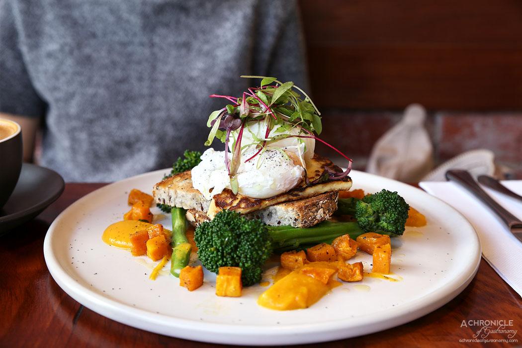 Travelling Bandit - Pumpkin Eggs - Roast pumpkin, grilled halloumi, broccolini, pumpkin puree, two poached eggs, multigrain bread $18