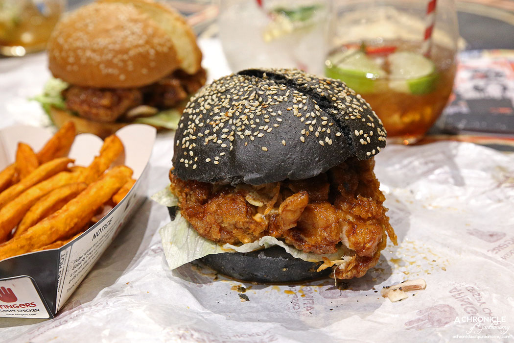 4Fingers Chicken - BBFF - Crispy chicken chop, house roasted garlic sauce, fresh button mushrooms, hot sauce ($12)