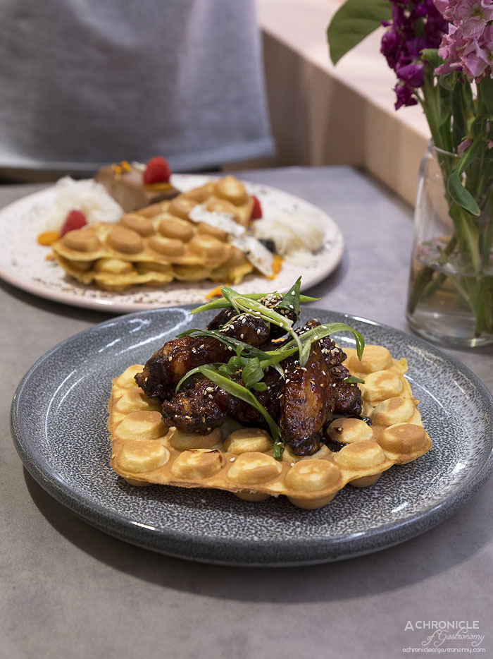 Workshop Bros GW - Spicy HK Waffle - Hong Kong waffle, five spice chicken wings w sticky gochujang chilli sauce ($18,90)edit