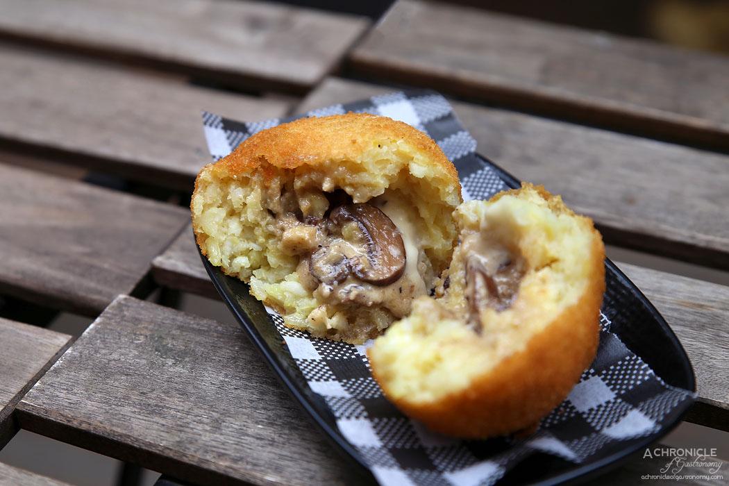 Il Melograno - Porcini, truffle and fontina cheese arancini