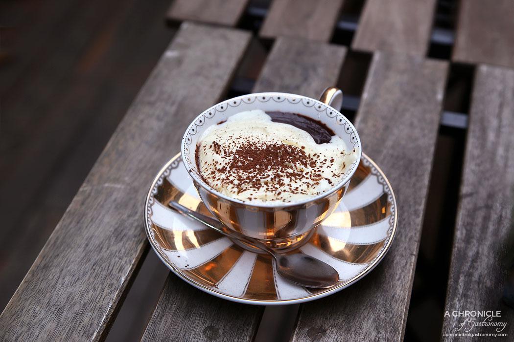 Il Melograno - Gelato hot chocolate
