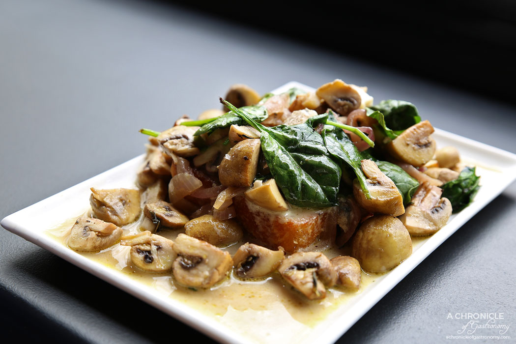 Kings and Knaves Espresso - Mushrooms - Grilled mushrooms, balsamic onions, truffled creme fraiche, spinach, thyme and Gorgonzola Picante ($11)