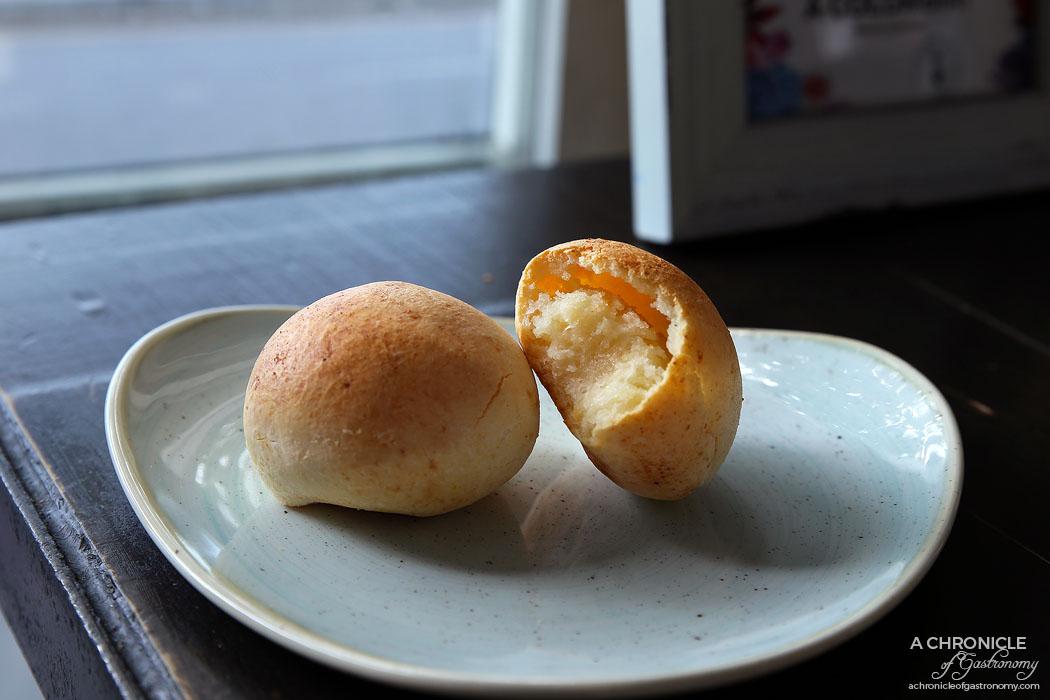 Cento Mani - Pandebono (Cheese ball) - Homemade Colombian cheesy and cassava bread ($3,50)